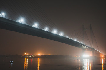 India's longest cable stayed bridge - Vidyasagar Setu. The photo is clicked from Princep Ghat.  Papier Peint