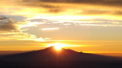 Foto op Aluminium Ochtendgloren Scenic View Of Landscape Against Sky During Sunset