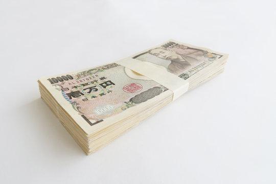 100万円の札束-白背景