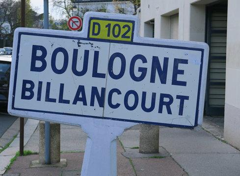 Panneau de nom de ville:  Boulogne Billancourt. D102.