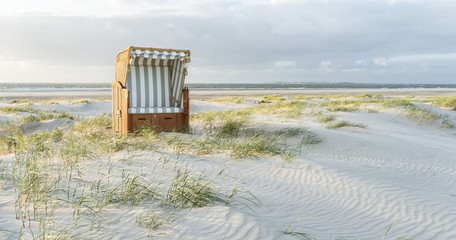 Fototapete - Strandkorb an der Nordseeküste