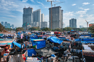 View of Dhobi Ghat (Mahalaxmi Dhobi Ghat) is world largest open air laundromat (lavoir) in Mumbai, India with laundry drying on ropes. Now one of signature landmarks and tourist attractions of Mumbai Fototapete