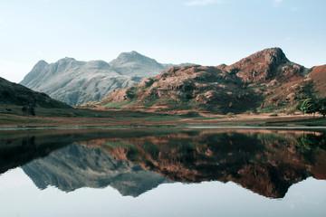 Beautiful serene lake Fotomurales