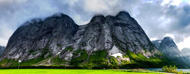 Bergpanorama am jolstravatnet, Norwegen Wall mural