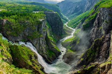 Photo sur cadre textile Rivière de la forêt Vøringfossen Wasserfall in Norwegen, Scandinavien