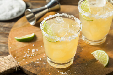 Fototapete - Refreshing Mexican Tequila Margarita