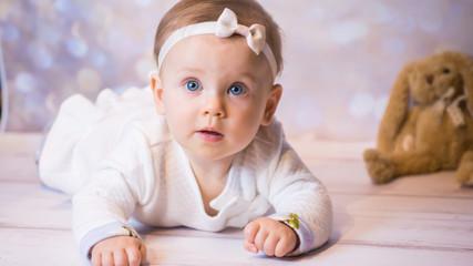 Mała Dziewczynka z grymasem na  twarzy Portret
