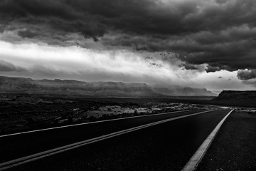 Fototapeten Grau Empty Road Along Countryside Landscape