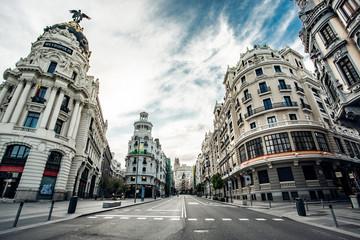 Photo sur Aluminium Madrid Calles del centro Madrid vacias debido al confinamiento derivado de la pandemia mundial covid-2019