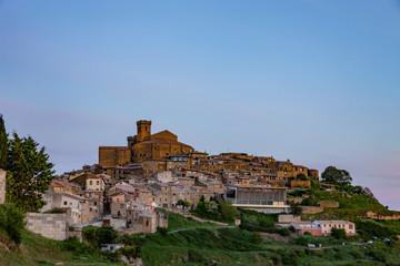 Fotoväggar - Ortsansicht von Ujue in Navarra