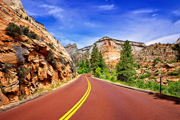 Fototapete - Scenic drive through the eastern peaks of Zion National Park, Utah, USA