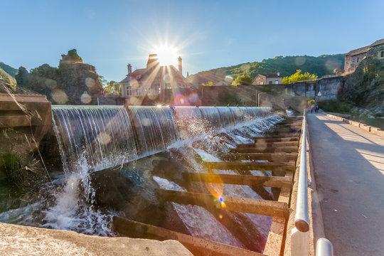 Barrage d'usine hydroélectrique, Ambialet, Tarn, France