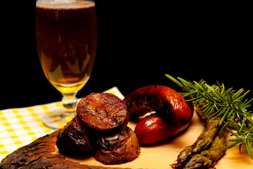 Grilled sausage, potatoes and asparagus