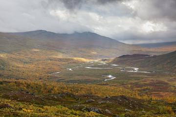 Papiers peints Saumon Impressive view of the mountains of Sarek national park in Swedish Lapland. selective focus