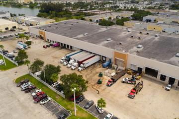 Pembroke Park FL food distribution warehouses with reefer trucks