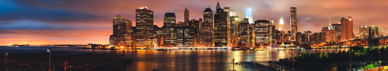 Panorama to Brooklyn bridge and downtown New York City, skyline, USA Fotobehang