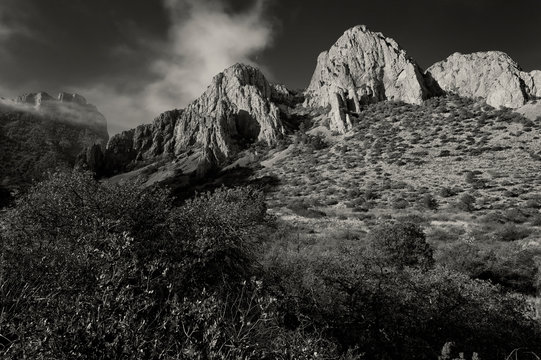 Peaks & cliffs in Chisos Basin;  Big Bend NP;  Texas