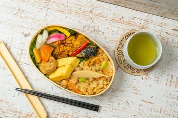 お弁当 Japanese style famous lunch box (bento)