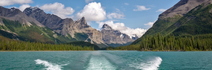 Wall Mural - Panorama of Maligne lake, Jasper National Park, Alberta, Rocky Mountains, Canada