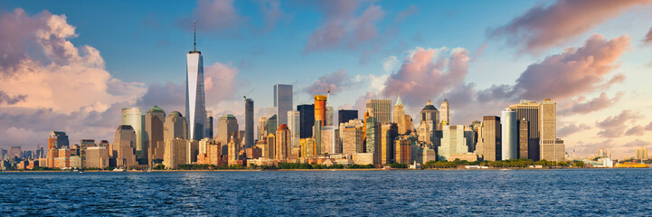 Printed kitchen splashbacks New York High resolution panoramic view of lower Manhattan in New York City taken from the NY harbor