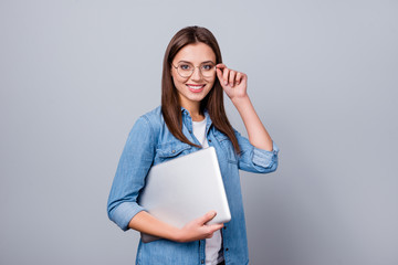 Fototapete - Portrait of her she nice attractive lovely pretty intelligent cheerful cheery girl carrying laptop college university touching specs isolated over grey pastel color background