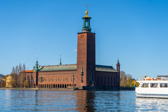 The Stockholm City Hall (Stockholms stadshus). View with Malaren lake from the old town (gamla stan).