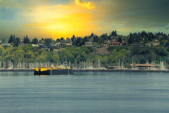 2020-04-28 VIEW OF MAGNOLIA AND SMITH COVE IN SEATTLE WASHINGTON