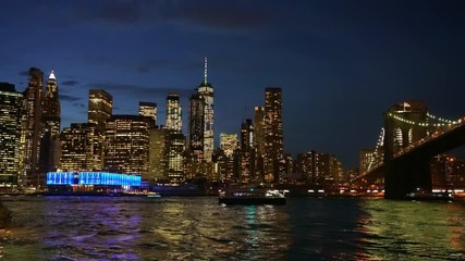 Fototapete - Brooklyn bridge and Manhattan at night, New York City.