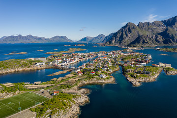 Fototapeten Nordeuropa Henningsvaer Lofoten is an archipelago in the county of Nordland, Norway.