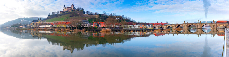 Wurzburg Panorama of the river and the old city. Fotomurales