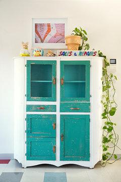 Colourful retro kitchen