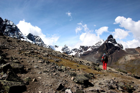 Hiking through the Bolivian Andes