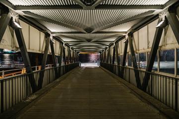 Leere Brücke in Hamburg