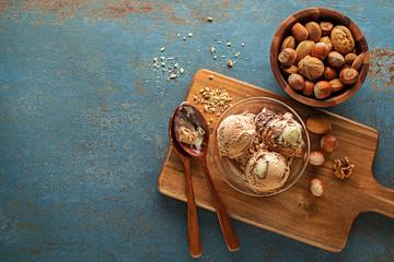 Ice cream scoop nuts
