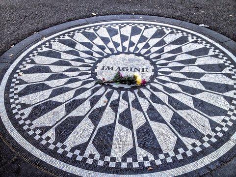 Memorial To John Lennon