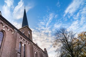 Obraz Kościół rzymsko-katolicki w Holandii Północnej, Oudorp. - fototapety do salonu
