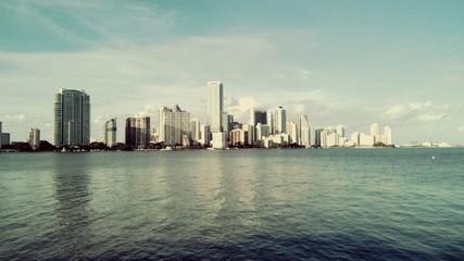 Fond de hotte en verre imprimé New York City View Of Tall Buildings With Waterfront