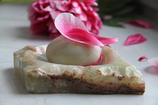Marble polished solid mineral egg
