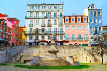 Fotomurales - Lisbon old town, fountain, Portugal