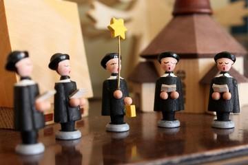 Christmas decoration wooden figurine carol singers