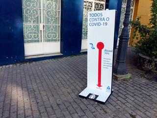 Poster de jardin Bar display with alcohol gel in public