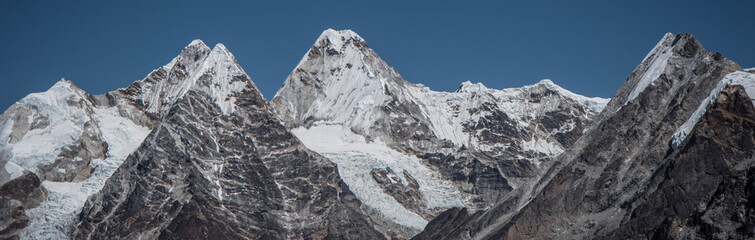 Khumbu glacier in the final part of the path that leads to Everest base camp.