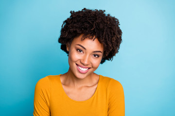 Fototapete - Close up photo of charming attractive nice afro american girl enjoy autumn rest relax free time wear pullover isolated over blue color background