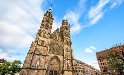 Fototapete - Lorenzkirche - Westfassade in Nürnberg, Deutschland