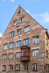 Fototapete - Historisches Stadthaus mit Chörlein in Nürnberg - Altstadt