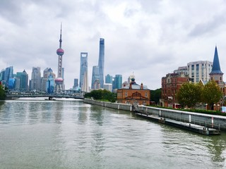 Keuken foto achterwand Shanghai View Of River With City In Background