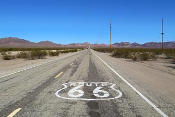 Papiers peints Route 66 Road Sign Against Clear Sky
