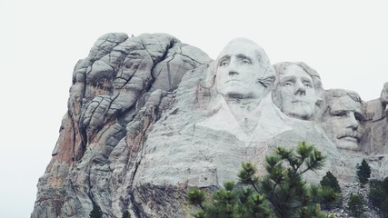 Fototapete - Mt. Rushmore National Memorial is located in southwestern South Dakota, USA. Panoramic view