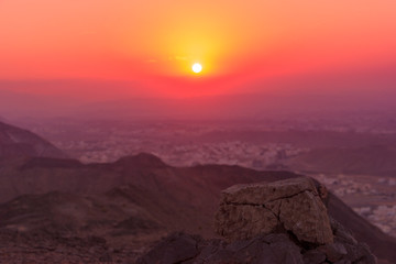 Foto auf AluDibond Hochrote Majestic View Of Sunset Over Landscape