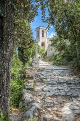 Alte Kirche im Provence Dorf Oppede-Le-Vieux